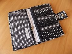 Diy Bags And Purses Patterns, Diy Bags Purses, Purse Patterns, Sewing Patterns Free, Sewing Tutorials, Sew Wallet, Fabric Wallet, Fabric Crafts, Sewing Crafts