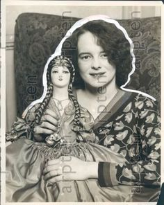 1929-Pittsburgh-Mrs-E-A-Weisser-With-Doll-Named-Ooglesnops-Press-Photo