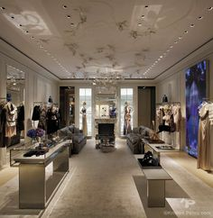 Dior Shanghai Plaza 66 - Interior photographer architecture store boutique Kristen Pelou