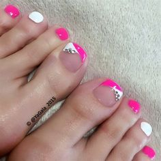 Nail art is not just for the hands! Toe nail art is a perfect way to add some fun to a summer pedicure. Explore these amazing nail designs for toes. Pink Toe Nails, Cute Toe Nails, Cute Nail Art, Diy Nails, French Toe Nails, Pink Toes, Pedicure Nail Art, White Pedicure, Pedicure Ideas