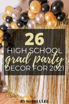 omg i love these high school graduation party ideas!! so cute and easy to recreate. definitely saving this to use later!! Outdoor Graduation Parties, Graduation Party Planning, High School Graduation Gifts, Graduation Party Decor, Grad Parties, Graduate School, Graduation Cap Designs, School Signs, Graduation Pictures