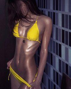 Yoga For Beginners : great workout routines for fat loss great workout routine Sexy Bikini, The Bikini, Bikini Babes, Mädchen In Bikinis, My Tumblr, Fitness, Mellow Yellow, Swimsuits, Swimwear