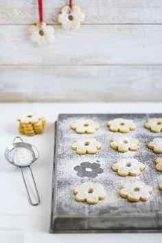 4 Dicembre - #Calendario dell'#Avvento I #biscotti dai dolci ricordi, i #canestrelli anzi, le Margheritine di #Stresa! -  New #recipe on #OPSD blog: Canestrelli - #Italian #cookies  - #AdventCalendar - #Christmas