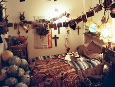 Apartment Decors Black And Gold Bedroom Teenage Hipster Bedroom ...