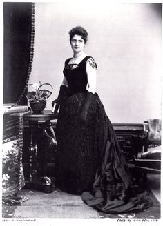When Frances Folsom married President Grover Cleveland in she became the youngest first lady in decades and a media sensation. The public could not get enough stories about Mrs. Cleveland's activities, fashions, and, later, her children. Presidents Wives, American Presidents, American History, Us First Lady, Grover Cleveland, American First Ladies, Second Empire, History Photos, Thats The Way