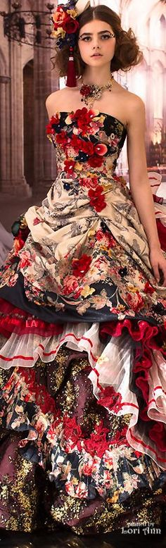 Alice in wonderland Beautiful Gowns, Beautiful Outfits, Gorgeous Dress, Couture Fashion, Runway Fashion, Look Fashion, Fashion Design, Fashion Beauty, Dream Dress