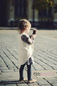 http://www.kidsfinest.nl/girls/long-back-vest-girls/ unisex, off-white, trendy en praktisch gilletje voor jongens&meisjes #kidsfinest #kindermode