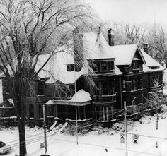 Eaton Family house, 182 Lowther Ave., The Annex, Toronto. Built in 1888 by Timothy Eaton. Demolished in 1960.