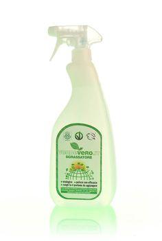 SGRASSATORE ECOLOGICO 1L - Trovalo su: http://acceleratorecommerciale.com/index.php?id=e-shop#!st:ep/ProductDetail/1853 ndicato per la pulizia di forni, cappe, piani di lavoro, attrezzature da cucina e in tutti i casi in cui serve un'energica azione detergente. Puoi utilizzarlo anche come smacchiatore per tessuti: spruzzane un po' sulla macchia, strofina leggermente e lascia agire per qualche minuto. Quindi passa al lavaggio in lavatrice o a mano.