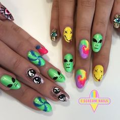 These '90s throwback nails. | 34 Photos That Will Make You Want To Step Up Your Nail Art Game