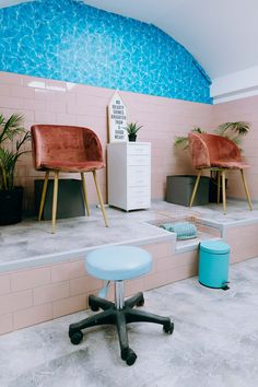 Swimming Pool inspire Pedicure Station Photos by: www.kirstymclachlan.com Pedicure Station, Corner Desk, Swimming Pools, Salons, Chair, Table, Pedicures, Photos, Beauty Care
