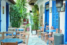 ΕΞΟΔΟΣ   10 «μυστικά» στην Αθήνα Outdoor Furniture Sets, Outdoor Decor, Athens, Patio, Home Decor, Decoration Home, Room Decor, Home Interior Design, Athens Greece