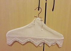 COVERED HANGER - VINTAGE STYLE, WITH ANTIQUE CREAM LACE