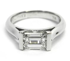 181 Horizontal Emerald Cut Bar Set Ring Any person can produce a home sweet residence, even when the price range is tight. Unique Diamond Rings, Unique Rings, Emerald Cut Engagement, Diamond Engagement Rings, New Jewellery Design, Emerald Cut Diamonds, Quality Diamonds, Designer Engagement Rings, Bar Set