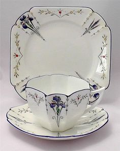 Just a few hours left to bid on this elegant Shelley Queen Anne Art Deco tea trio from 1927 in the delicious Blue Irises pattern. http://www.ebay.co.uk/itm/271608064588