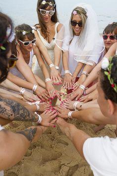 Séance photo EVJF entre copines à la plage à Bordeaux en Gironde