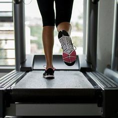 20-Minute Treadmill Workout Ok this took me longer than 20mins!(Im a new jogger/runner too) All in all, maybe around 30mins because my 30 second brakes in between the majority of the intervals. However, this is a great achievable goal for myself! :)