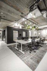 Here are the Modern Office Space Design Ideas. This post about Modern Office Space Design Ideas was posted under the … Cool Office Space, Office Space Design, Modern Office Design, Office Interior Design, Office Interiors, Office Designs, Corporate Interiors, Desk Space, Design Interiors