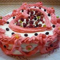 Бисквитный торт с творожным кремом и лесными ягодами