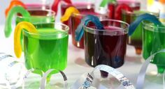 Browse our slideshow of top party food ideas - cupcakes, finger foods, snacks and sweets. Make your child's next birthday party a scrumptious affair! Easy Party Food, Party Food And Drinks, Party Food Kids, Fun Food, Jelly Beans, Clown Cupcakes, Festa Monster High, Snake Party, Crockpot