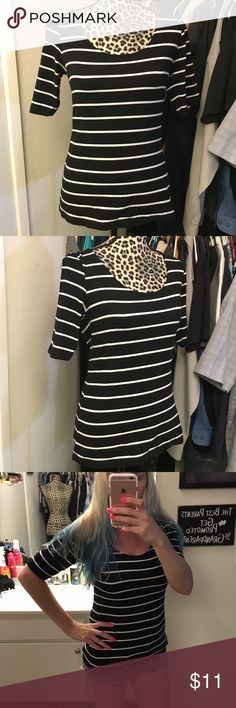 Like new H&M shirt Super cute like new white and black stripped shirt by H&M size medium H&M Tops Tees - Short Sleeve