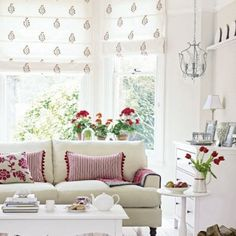 Check out these gorgeous decorating ideas for white living rooms. From shabby chic to country style, these living rooms are pale and interesting Scandi Living Room, Living Room White, Home Living Room, Living Room Designs, Living Room Decor, Cozy Living, Living Area, White Decor, Room Inspiration