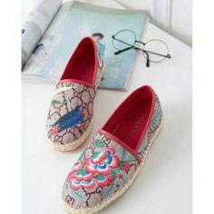 Saya menjual Sepatu G U C C I Espadrilles. seharga Rp250.000. Dapatkan  produk ini hanya di 69fbe38107