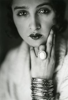 Don't you think she's casually flipping us all the bird? Renee in Paris, c. 1930. Photo: Jacques Henri Lartigue.