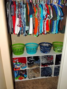 Closet Organization Ideas - Organize your closet for less with these Do It Yourself organization and also storage ideas. Most of these closet organization ideas are great for little wardrobes . Boys Closet, Closet Bedroom, Family Closet, Kids Bedroom Organization, House Organization Ideas, Large Family Organization, Toddler Closet Organization, Kids Closet Storage, Closet Organisation