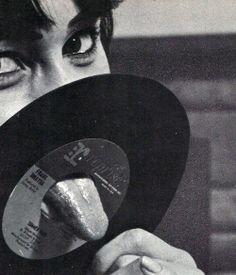 Uncredited... Vinyl. °