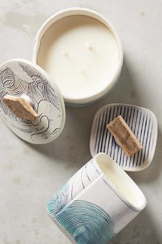 @simpleshui shows us how to shift our mood using our favorite decor element: candles! Image via @anthropologie
