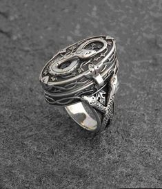 Hand Cast 925 Sterling Silver Poison Ring Adorned with Snakes. Poison Ring, Claddagh, Wiccan, Pagan, Jewelery, Men's Jewelry, Jewelry Ideas, Handmade Jewelry, Rings For Men