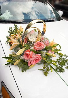 Wedding Car Flower Decoration Collections 2013 Your A lot of Outstanding Bridal Motor vehicle Decor Wedding Car Decorations, Flower Decorations, Bridal Car, Car Wedding, Luxury Wedding, Wedding Rings, Just Married Car, Cars Birthday Parties, Luxury Cars