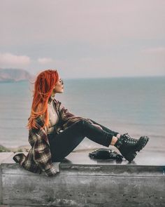Top Clothing Choices For A Stunning New Look. Are you searching for ways you can look more fashionable? Edgy Outfits, Grunge Outfits, Cute Outfits, Moda Ulzzang, Estilo Geek, Kleidung Design, Estilo Grunge, Luanna, Le Happy