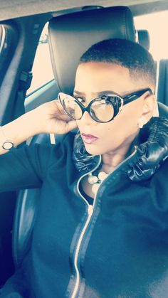 Check out super awesome products at Shire Fire! :-) OFF or more Sunglasses SALE! Glasses Frames Trendy, Funky Glasses, Cool Glasses, Fashion Eye Glasses, Cat Eye Glasses, Short Natural Styles, Short Hair Styles, New Girl, Teeny Weeny Afro