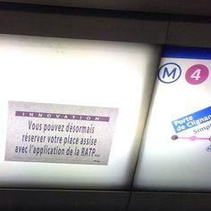 Les faux messages de la RATP par un artiste des rues. / Street art. / By ardpg.