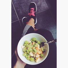 Morning workout  #fruits #healthy #fit #workingfitgirl #love #body #morning #workout #fitness #dayoff #summer #family #instafood #igers