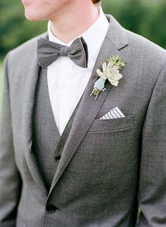 3824c5539ef Love the texture of this grey suit! Abiti Da Sposa