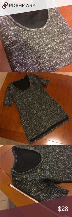 Zara grey short sleeve sweatshirt/ tunic This is a fitted sweatshirt. Very comfy! Great weekend sweater with style. Sleeves fall just above the elbows. Tunic length with open sides to allow flexibility. Zara Tops Sweatshirts & Hoodies
