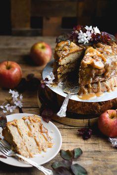 Layered Cinnamon Caramel Apple Upside Down Cake (Vegan) – Sincerely Tori Apple Recipes, Cake Recipes, Dessert Recipes, Fall Desserts, Just Desserts, Mini Cakes, Cupcake Cakes, Cupcakes, Dessert Cookbooks