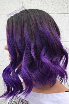 Deep Violet Ombre Want to try ombre hair, but not sure what look? We have put together a list of the hottest ombre looks for you to try! Why not go for a new exciting look? Hair Color 2017, Hair Color Purple, Hair Dye Colors, Cool Hair Color, Purple Hair Tips, Deep Purple Hair, Black Purple Ombre, Purple Wig, Ombre Color