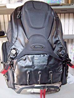 Oakley Big Kitchen Sink Backpack And Hatchet Sunglasses For User Jdning1831