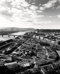 Rusi postavili po vojne Starý most za päť mesiacov, stál 68 rokov (+ staré fotky) Bratislava, City Photo, Arch, Times, Geo, Nostalgia, Pictures, Longbow, Wedding Arches
