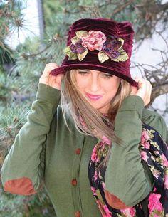 Packable Portwine Velvet Hat