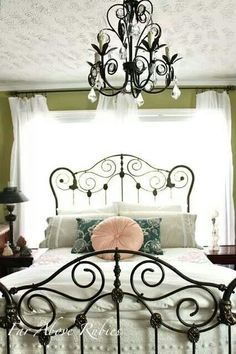 Far Above Rubies: Saving the antique iron bed. Love the linens and rod iron bed! Antique Iron Beds, Wrought Iron Beds, My New Room, My Room, Home Bedroom, Bedroom Decor, Bedroom Ideas, Bedroom Vintage, Beautiful Bedrooms