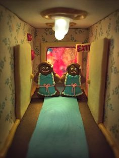 THE SHINING Gingerbread House: The Overlook Hotel from The Shining (1980) has been fully recreated into an… #Photos #AustinKeeling