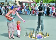 «Четверо парижан з п'яти – колишні мігранти». А туристів у Парижі стільки, що у черзі до Ейфелевої вежі стоять по три години! #WZ #Львів #Lviv #Новини #Життя  #Париж