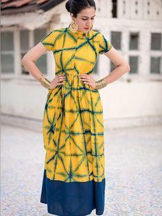 Yellow Tie and Dye Closed Neck Long Kurti Tie Dye Fashion, Batik Fashion, Diy Fashion, Shibori, Casual Frocks, Yellow Ties, Blue Yellow, Kurta Designs Women, Kurti Designs Party Wear