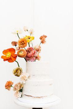 Colorful spring floral wedding in Southern California at Oakridge Farmhouse Wedding Cake Fresh Flowers, Diy Wedding Cake, Purple Wedding Cakes, Elegant Wedding Cakes, Wedding Cake Designs, Wedding Cake Toppers, Colourful Wedding Cake, Elegant Cakes, Blue Wedding