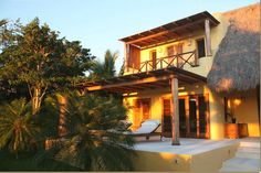 Disfruta de unas tranquilas vacaciones en este magnífico destino en las paradisiacas playas de Costa Careyes, Villa Jaguar, una casa de lujo decoración ...